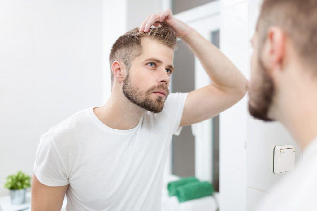 Cei 7 pași ai unui transplant de păr